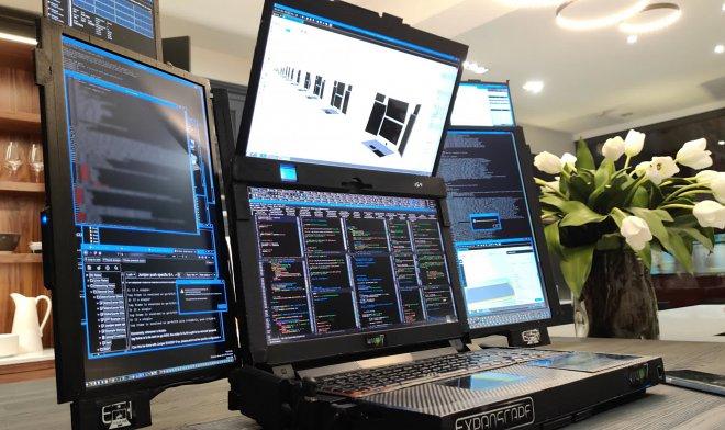 Expanscape yedi ekranlı Aurora 7 dizüstü bilgisayarı tanıttı