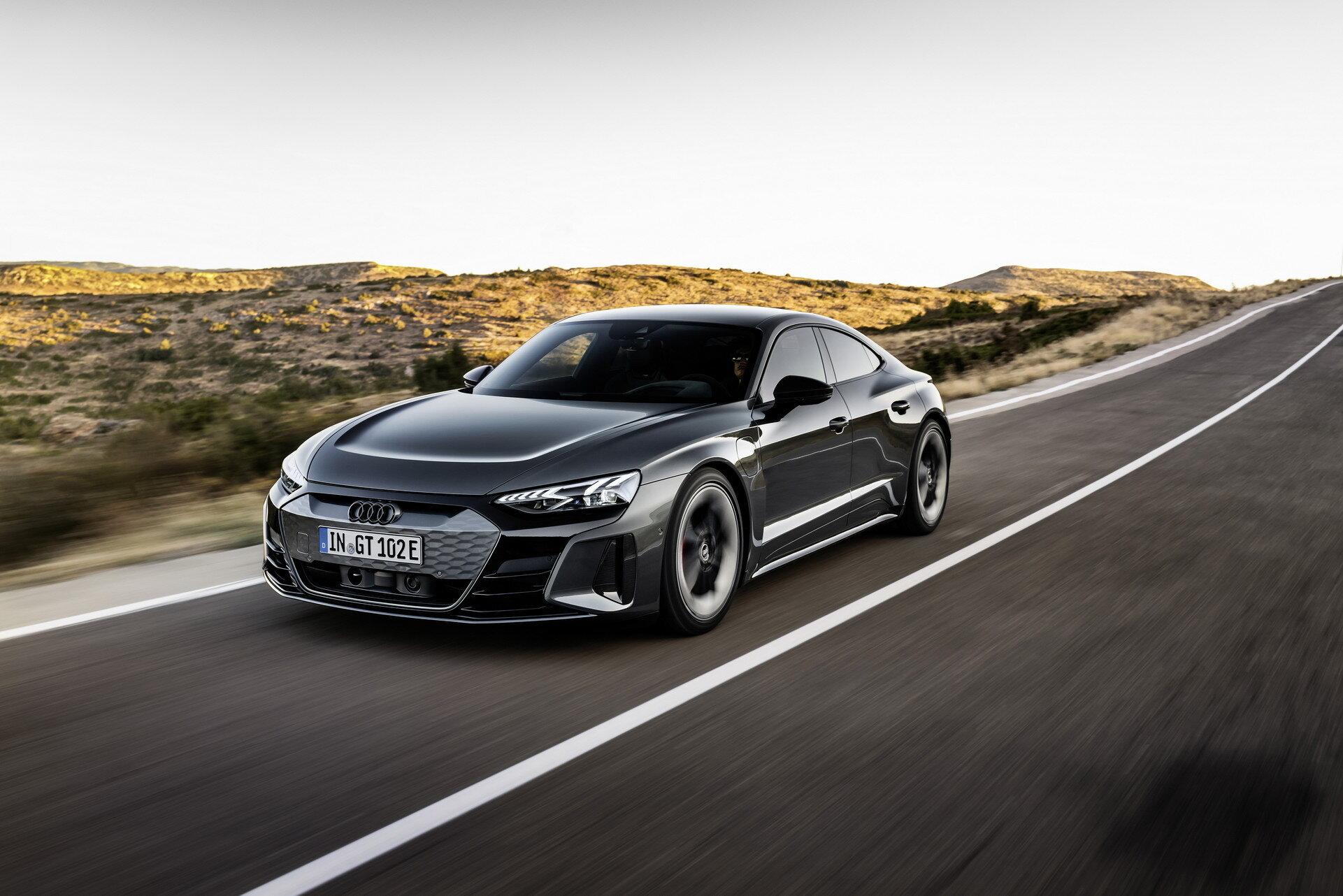 Audi yeni elektrikli sedanı E-Tron GT 'yi tanıttı